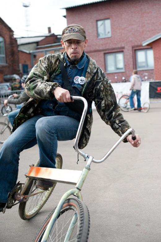 Трехколесный велосипед, очень